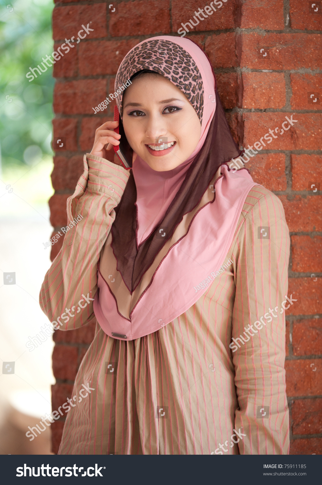 monett muslim Her ethnicity is indian american, and religious views are listed as muslim monette is now married she has a reported annual income of 90 - 99,999 and a current net worth value of $250,000 - $499,999.