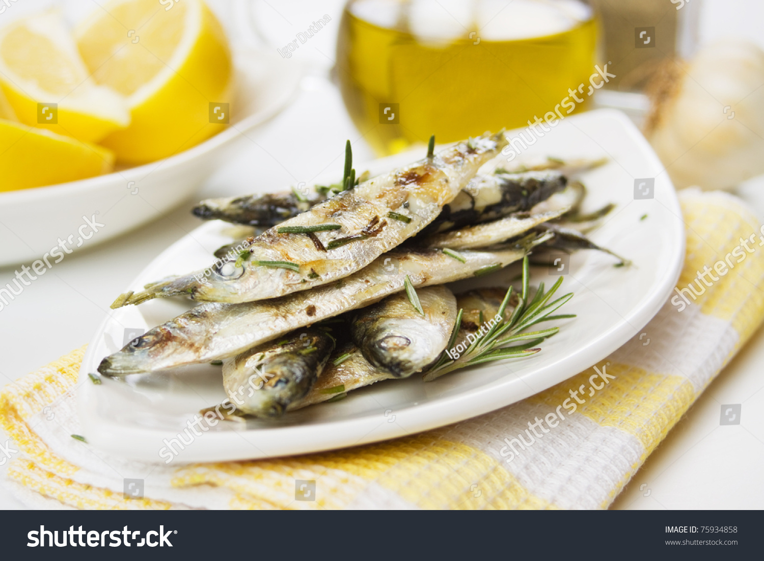 Why serve lemon with fish - answers.com