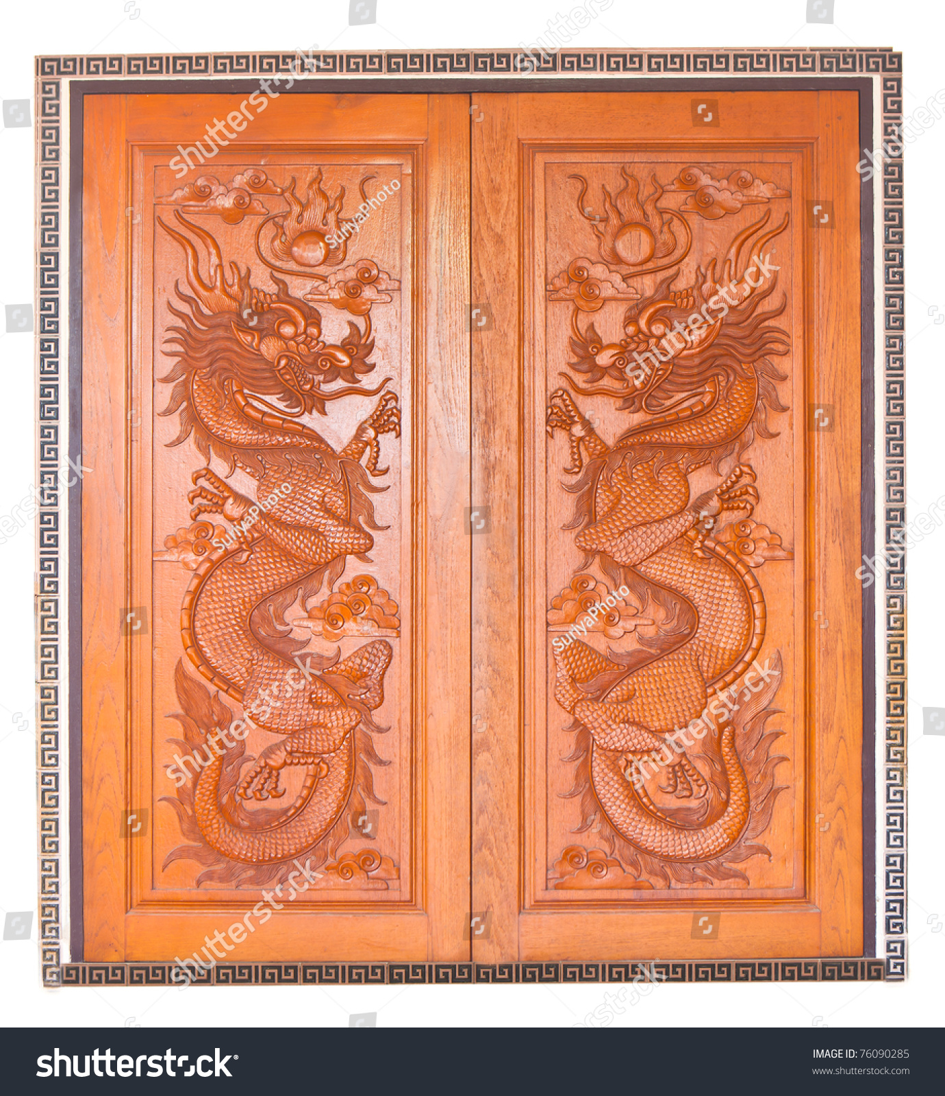 Chinese dragon wooden door & Chinese Dragon Wooden Door Stock Photo (Royalty Free) 76090285 ...