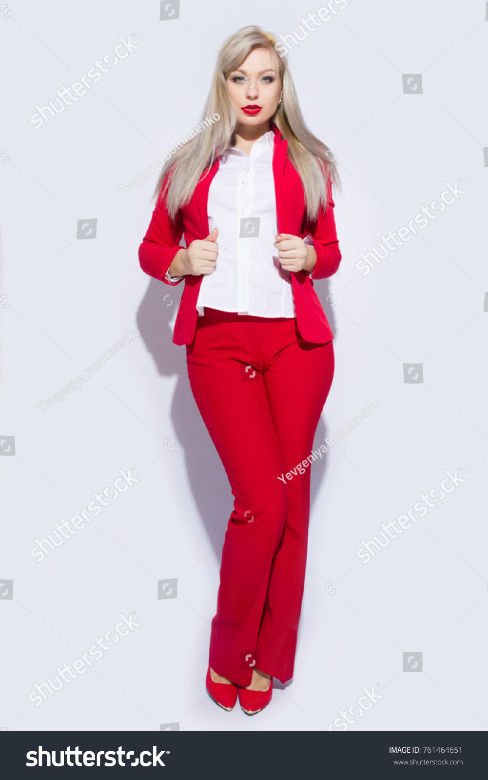 How to pants red wear in spring rare photo
