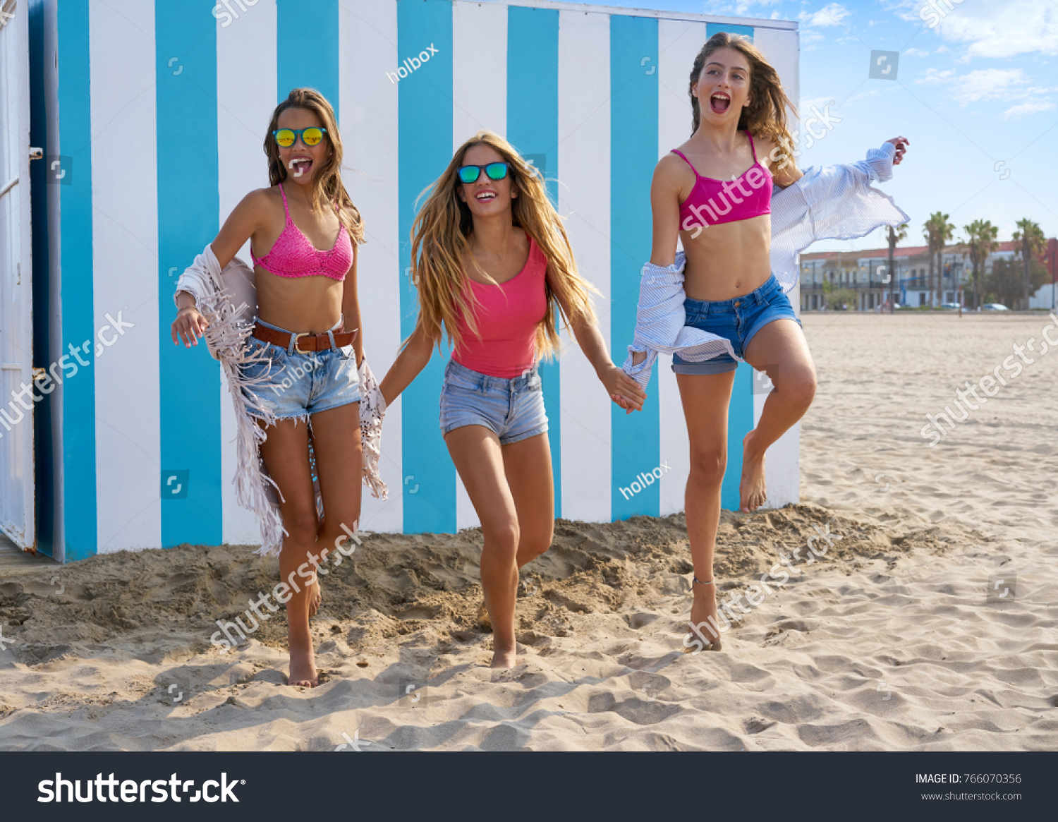Best of the beach girls not absolutely