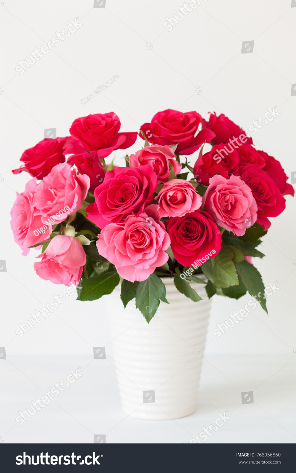 Beautiful Red Rose Flowers Bouquet Vase Stock Photo (Safe to Use ...