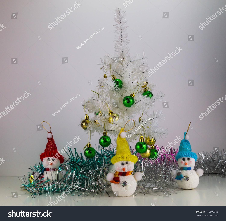 3 toy snowman and white christmas trees - White Christmas Tree Snowman