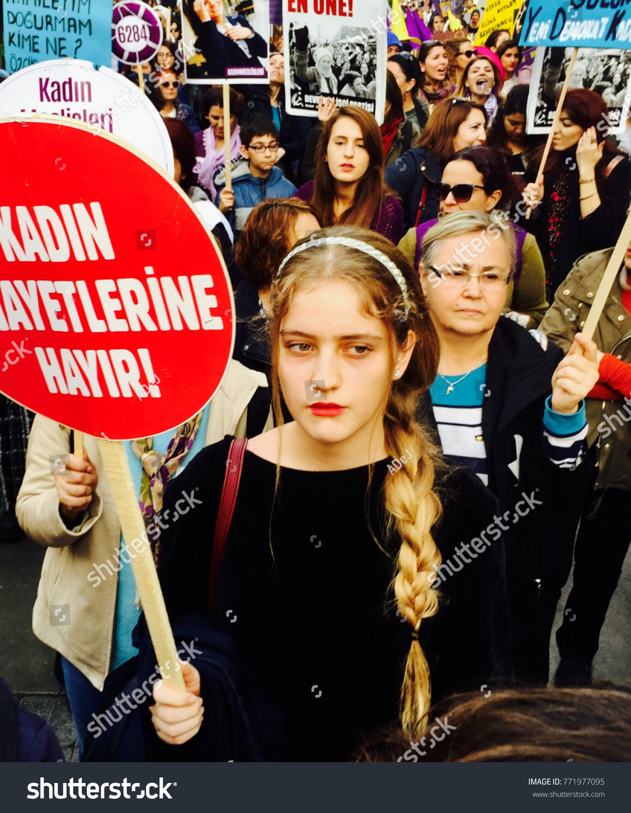 Izmir Turkey 11252017 Womens Protests Izmir People Stock Image 771977095