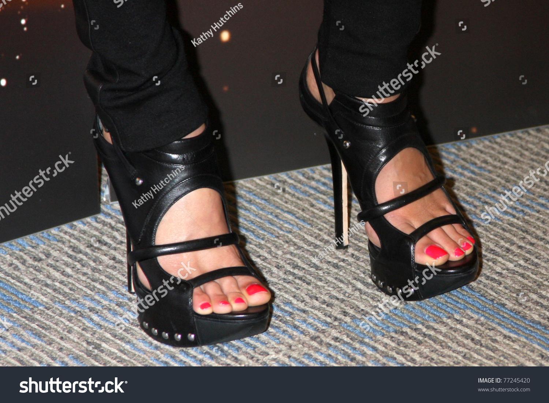 Feet missy peregrym Missy Peregrym