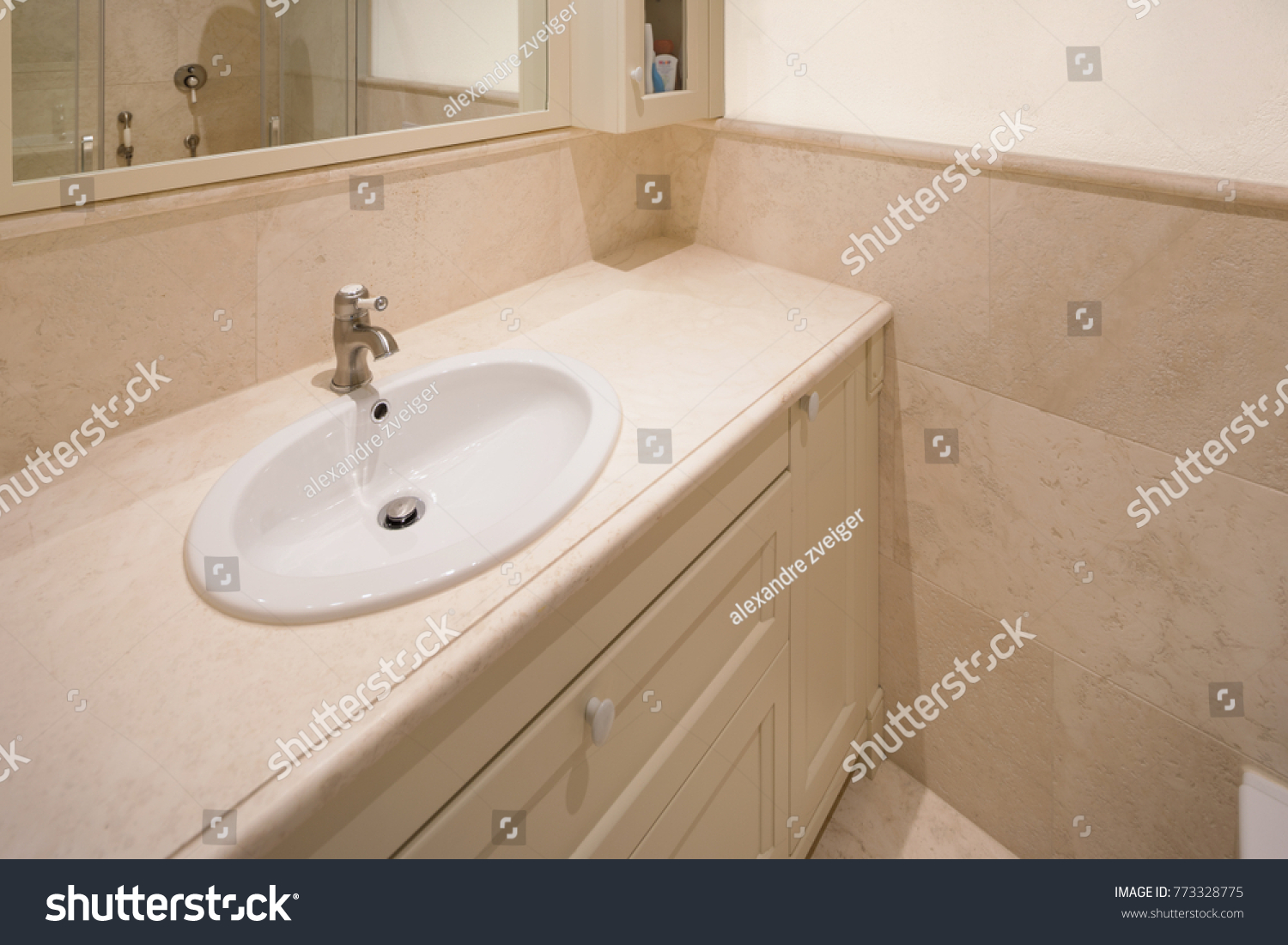 Clean and new hotel bathroom and tub for travel concepts. | EZ Canvas