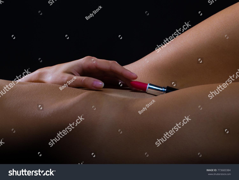 nude-woman-with-sexy-vagina-fuckgirlandbpy