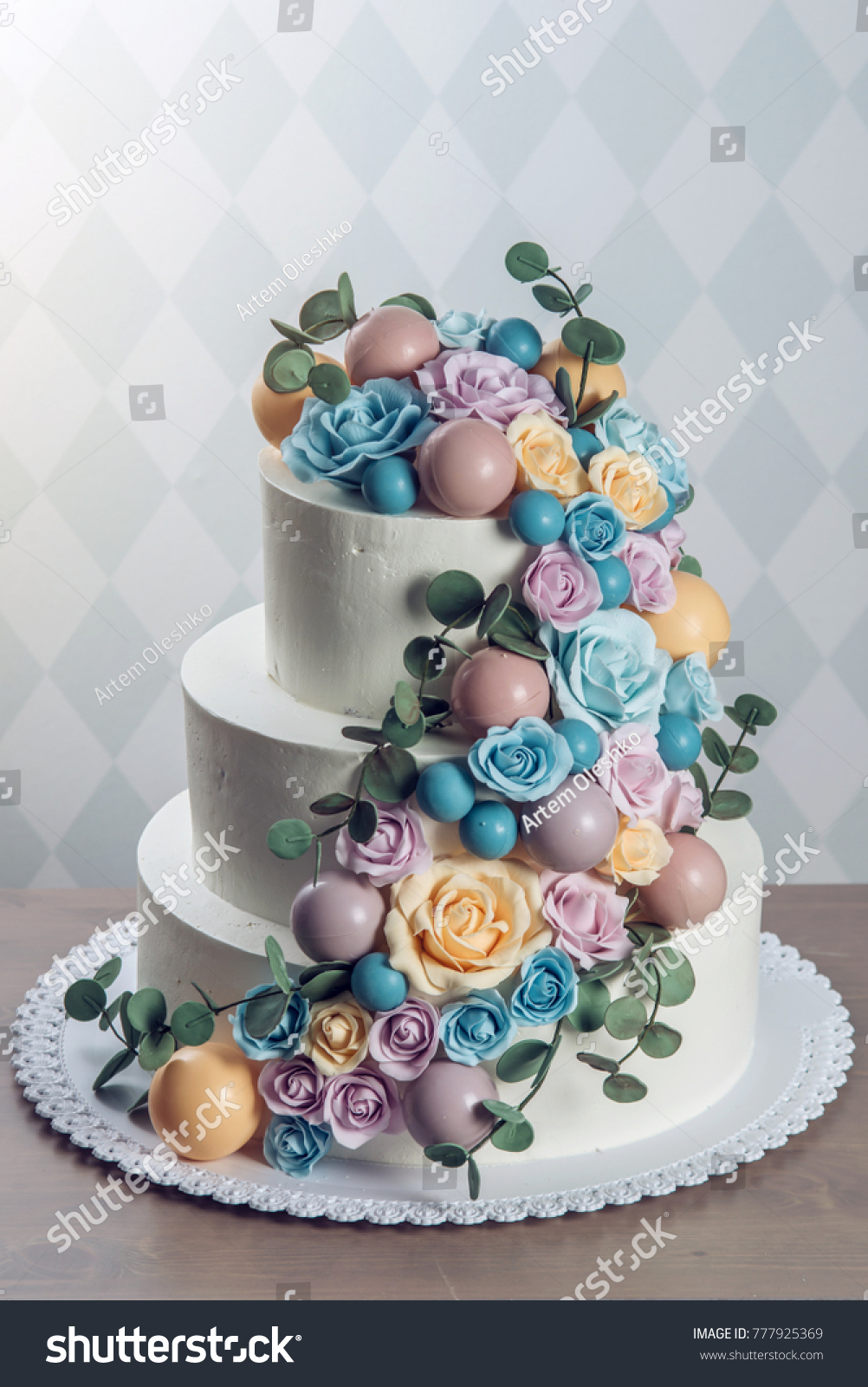 Wedding cakes from mastic: a collection of recipes