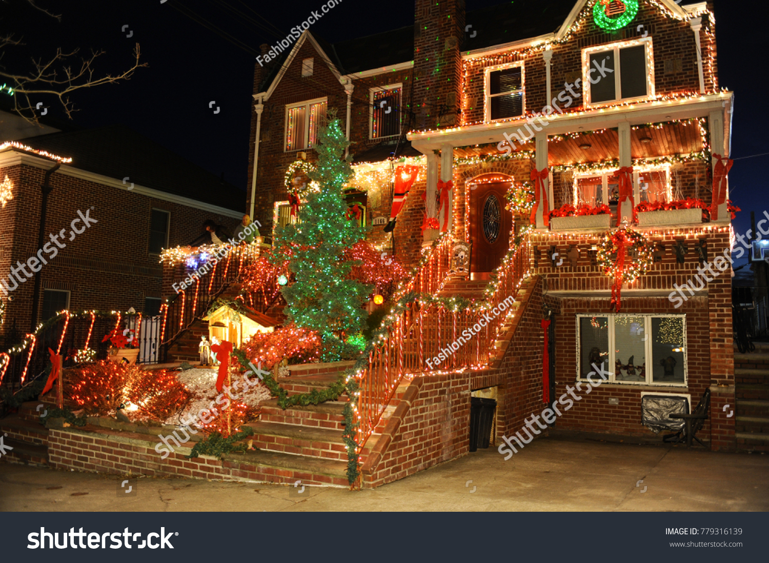 brooklyn new york december 20 2017 dyker heights christmas lights is the cutest small area of houses that are decorated for the holiday season in the