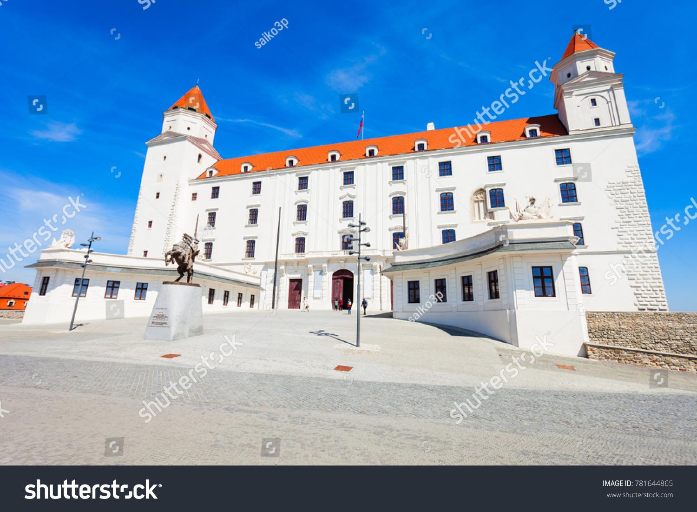 where is bratislava slovakia located
