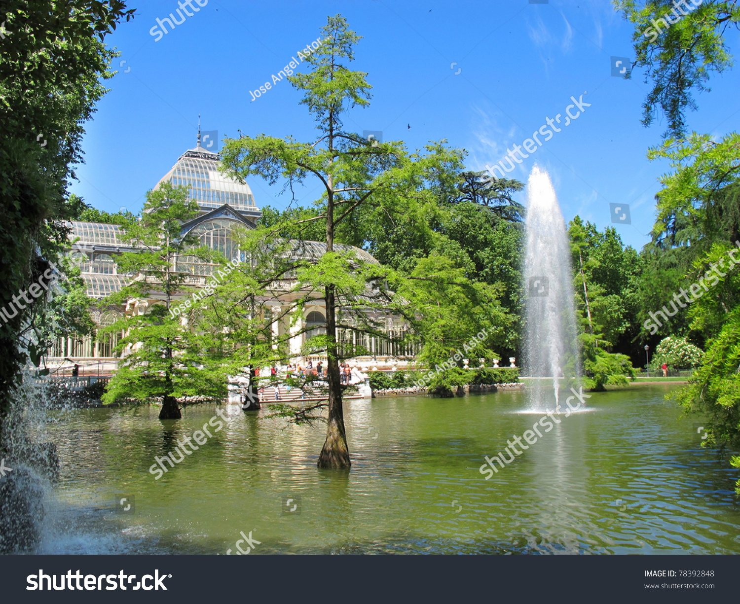 view of crystal palace el retiro madrid spain and lake. Black Bedroom Furniture Sets. Home Design Ideas