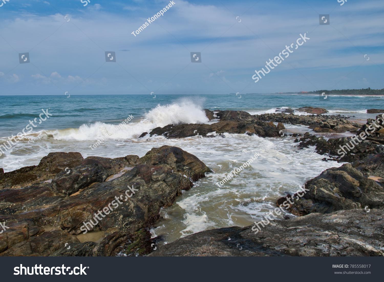 Coast of the Indian Ocean in Sri Lanka. #785558017