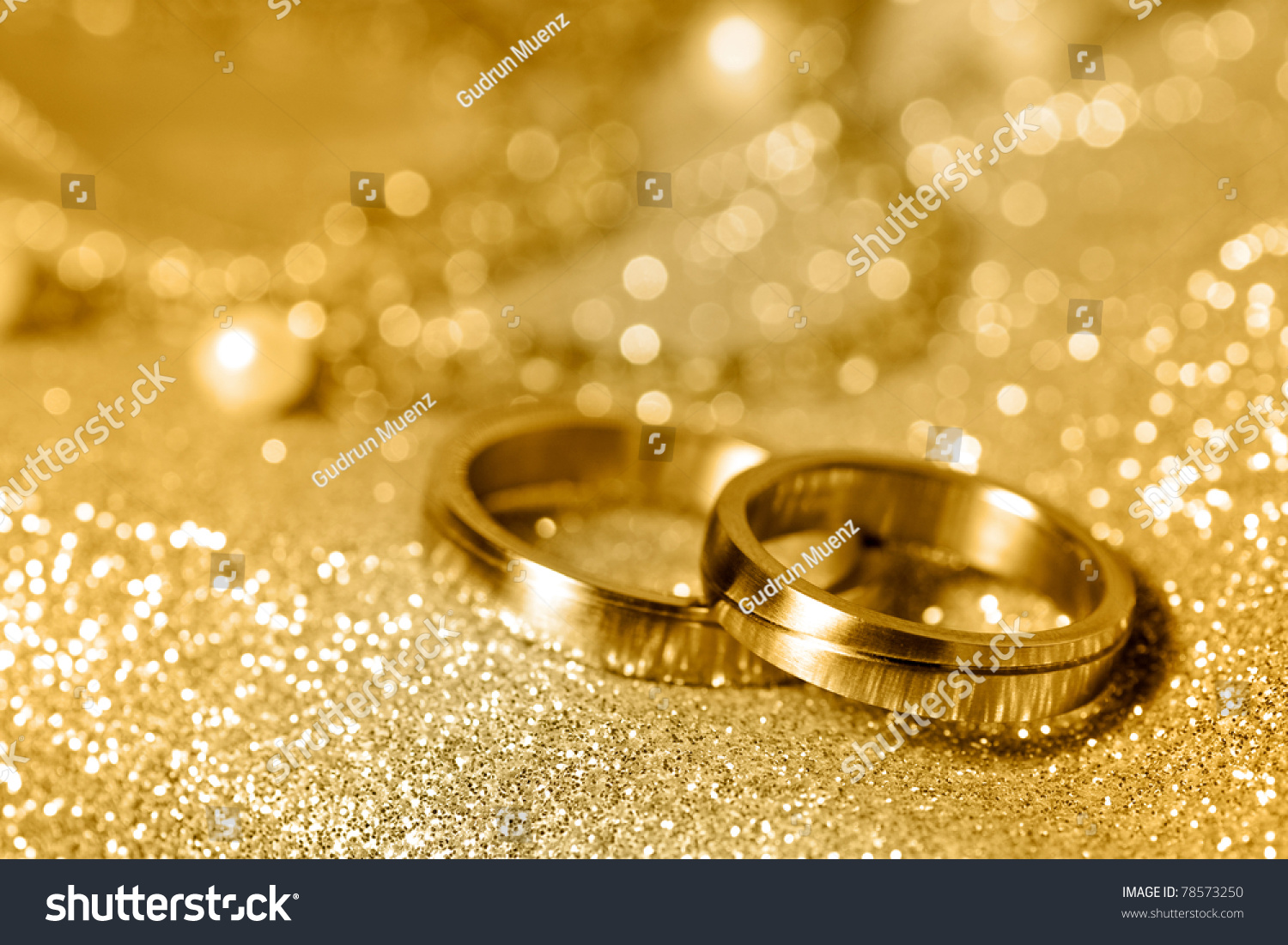 Wedding Rings Gold Pearls Stock Photo 78573250 - Shutterstock