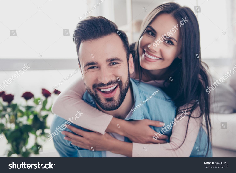 datazione di un uomo sposato per divertimento datazione di scadenza e test di stabilità