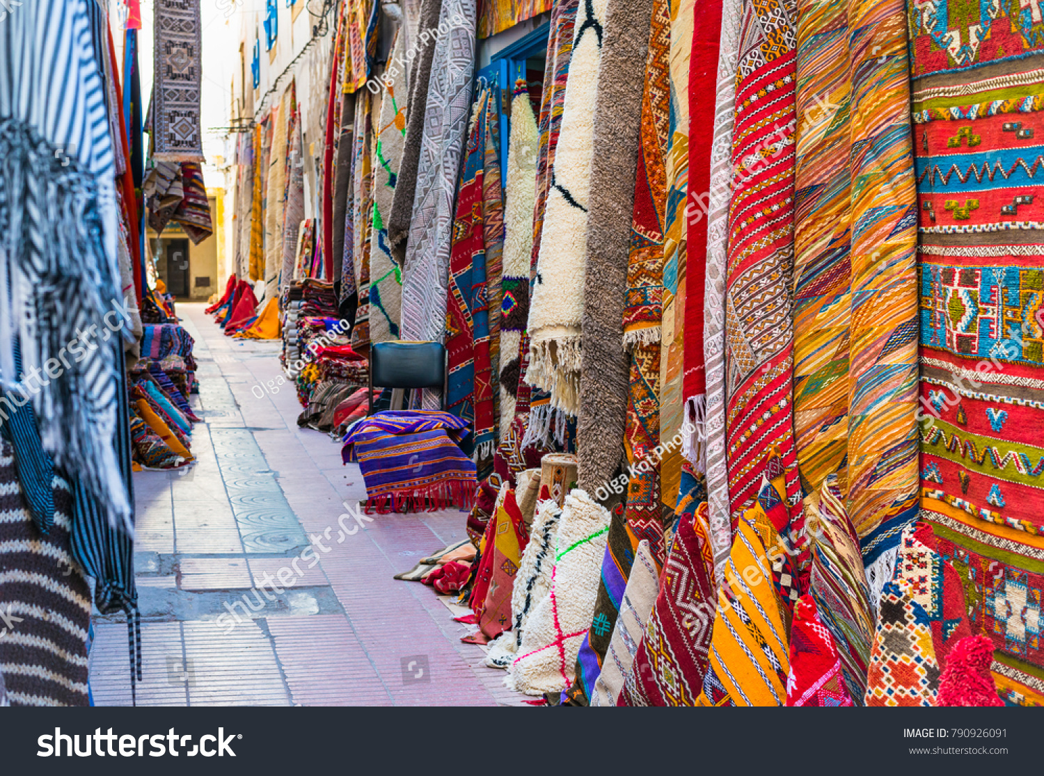 Bright pictures of colorful Morocco 55
