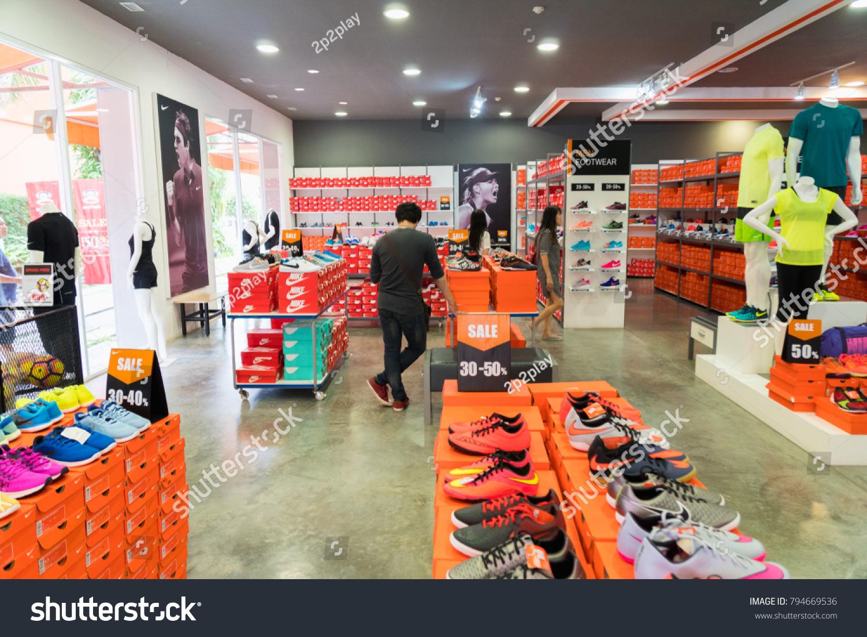 bienes de conveniencia textura clara fotos nuevas Phetchaburi Thailand October 11 2017 Nike Stock Photo (Edit Now ...