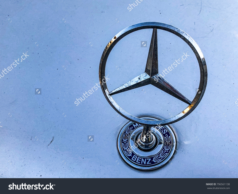 Trzic Slovenia November 2017 Mercedes Benz Stock Photo Edit Now