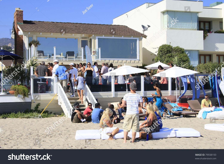 Malibu ca aug 19 polaroid beach house on the beach in for Malibu california beach houses