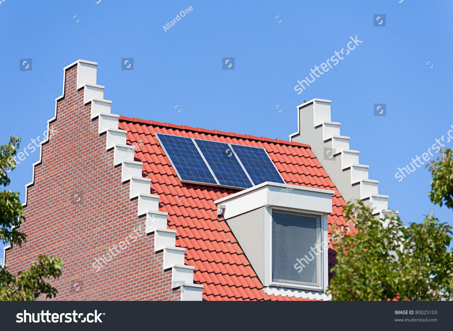 Modern Dutch House With Solar Panels On Roof Stock Photo