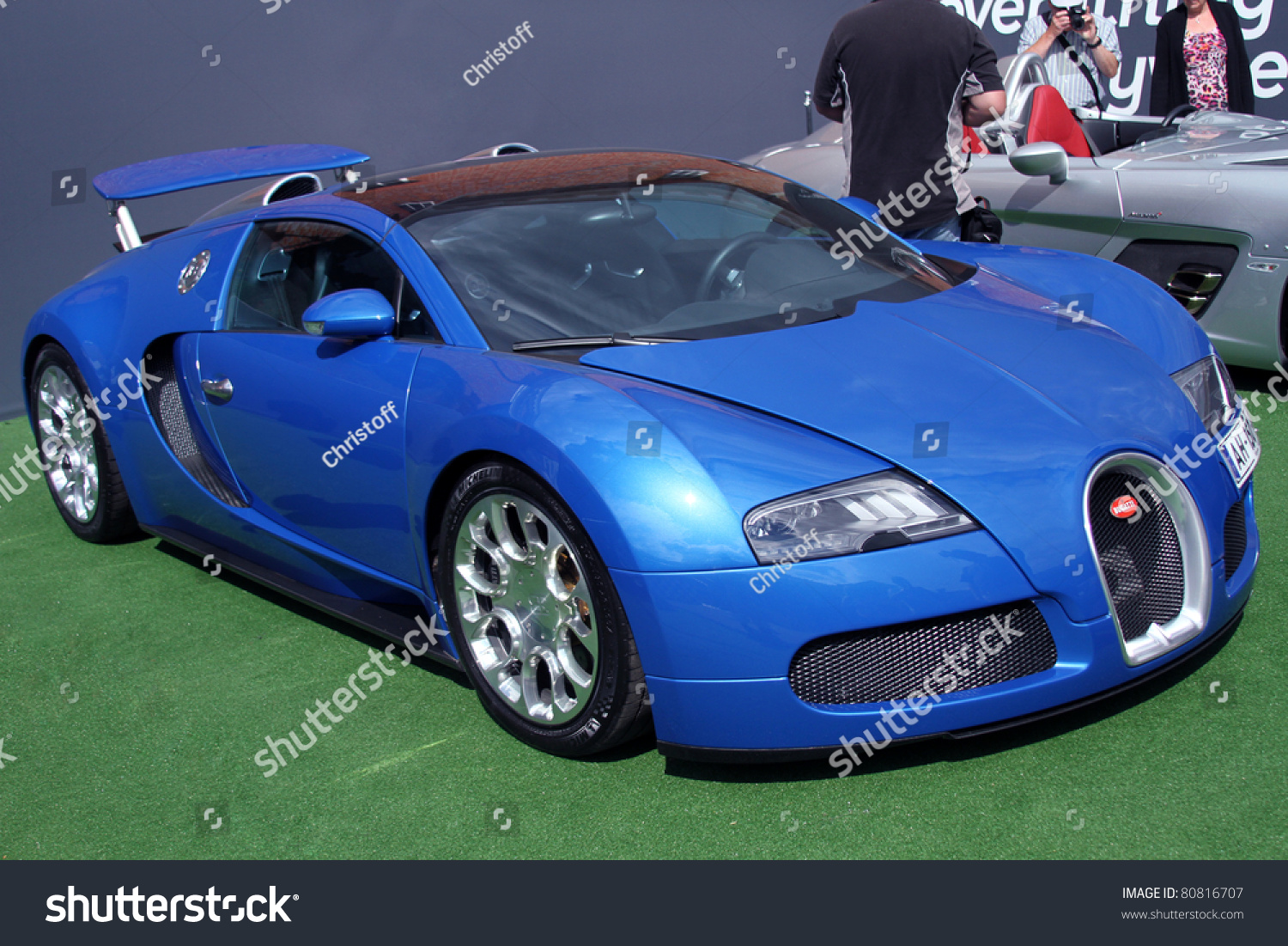 goodwood uk june 30 blue bugatti veyron on display at the annual goodwood festival of speed. Black Bedroom Furniture Sets. Home Design Ideas