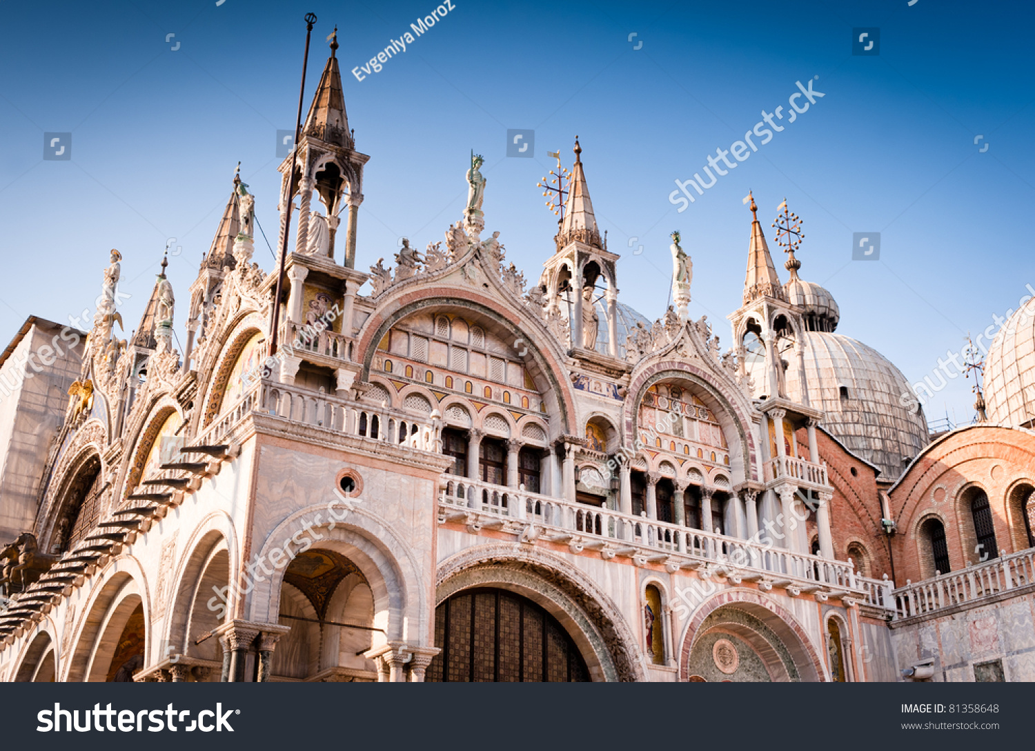 Cathedral of san marco venice italy roof architecture for Architecture venise