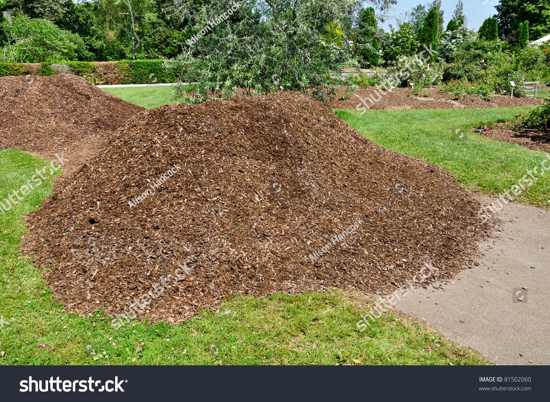 Heap Wood Chip Garden Mulch Stock Photo (Edit Now) 81502060 ...