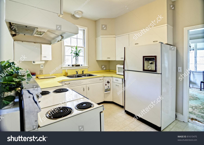 100 Kitchen Designs With White Appliances Kitchen Ideas White Cabinets Black Appliances