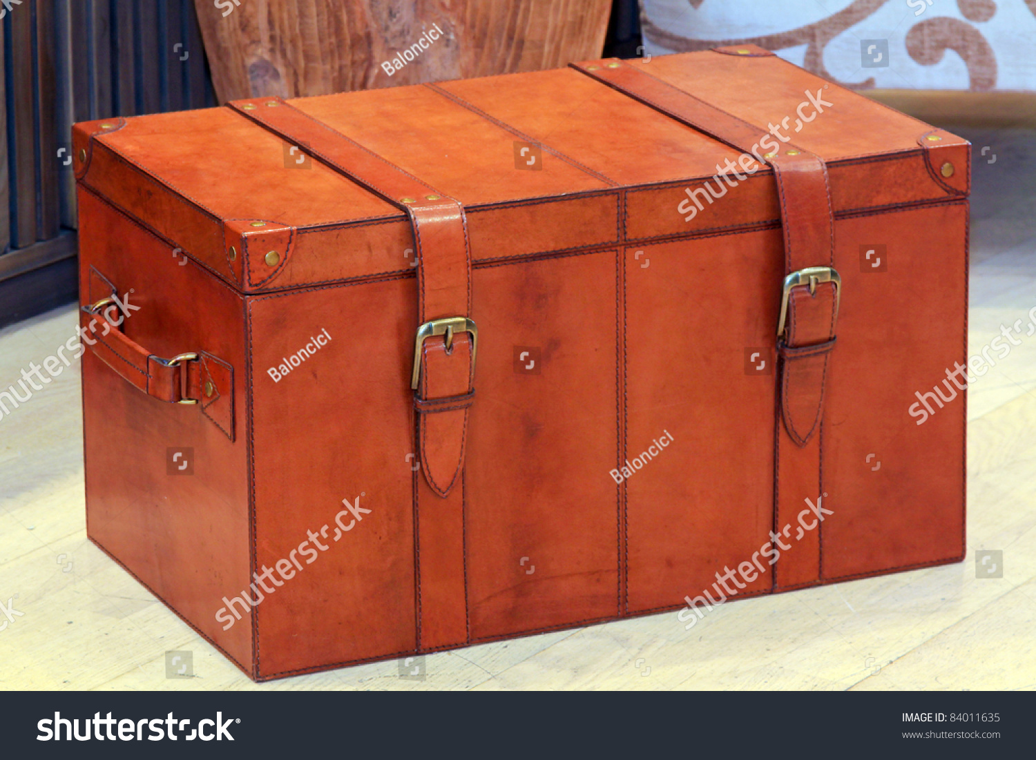 Vintage Style Brown Leather Luggage Trunk Stock Photo 84011635 ...