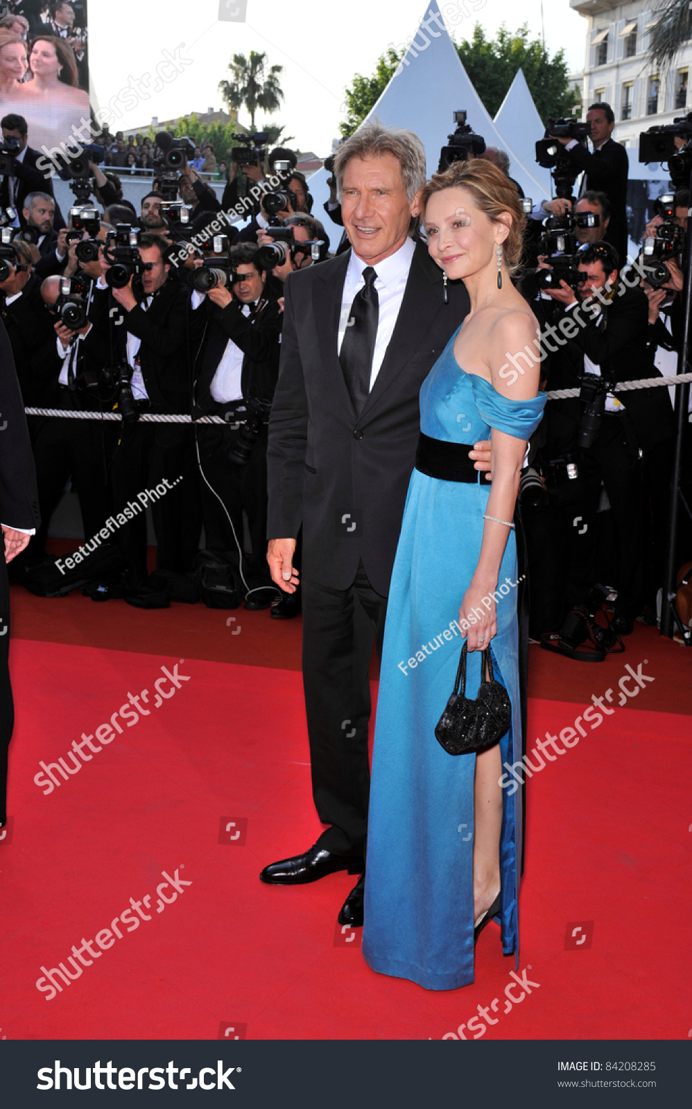 harrison ford calista flockhart at premiere for indiana jones and the kingdom of the crystal. Black Bedroom Furniture Sets. Home Design Ideas