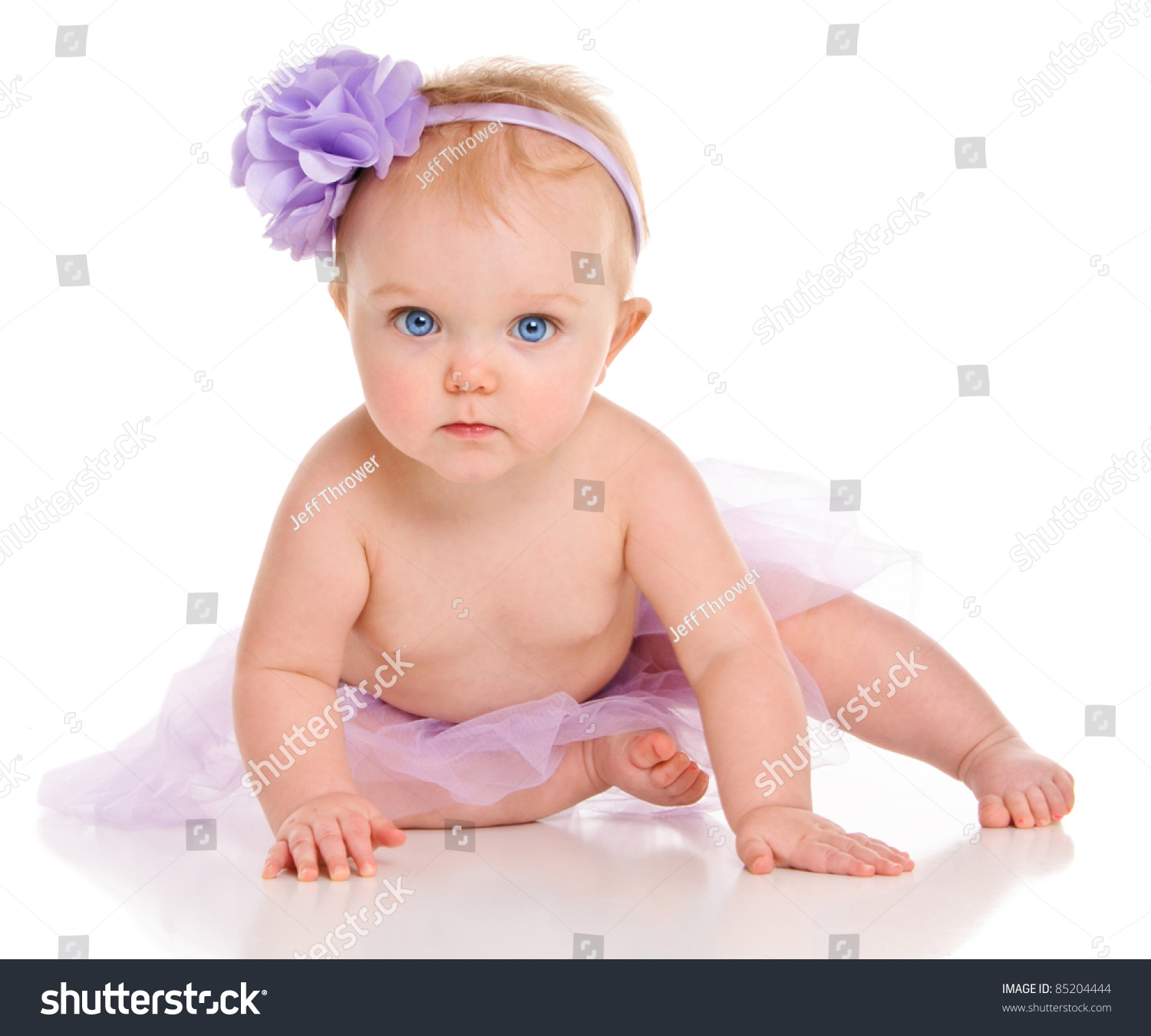 Middle names for girls run the gamut from the traditional connecting names to family surnames to new names carrying deep meaning. These middle names for girls come from all these categories.