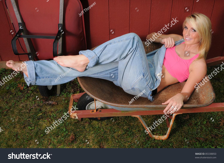 Sexy Farm Girl Overalls  Hot Girl Hd Wallpaper-9532