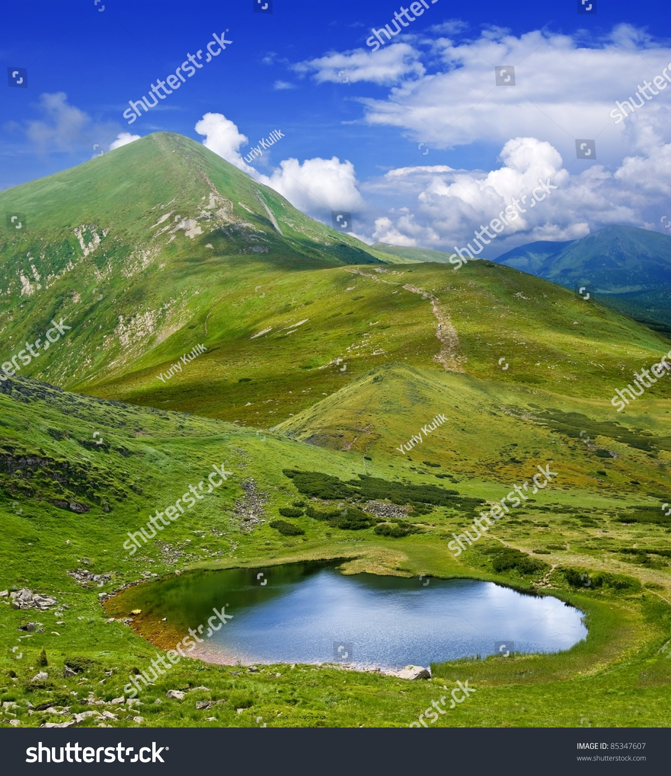 Beautiful Lake House Homes: Beautiful Lake In A Green Mountains Stock Photo 85347607
