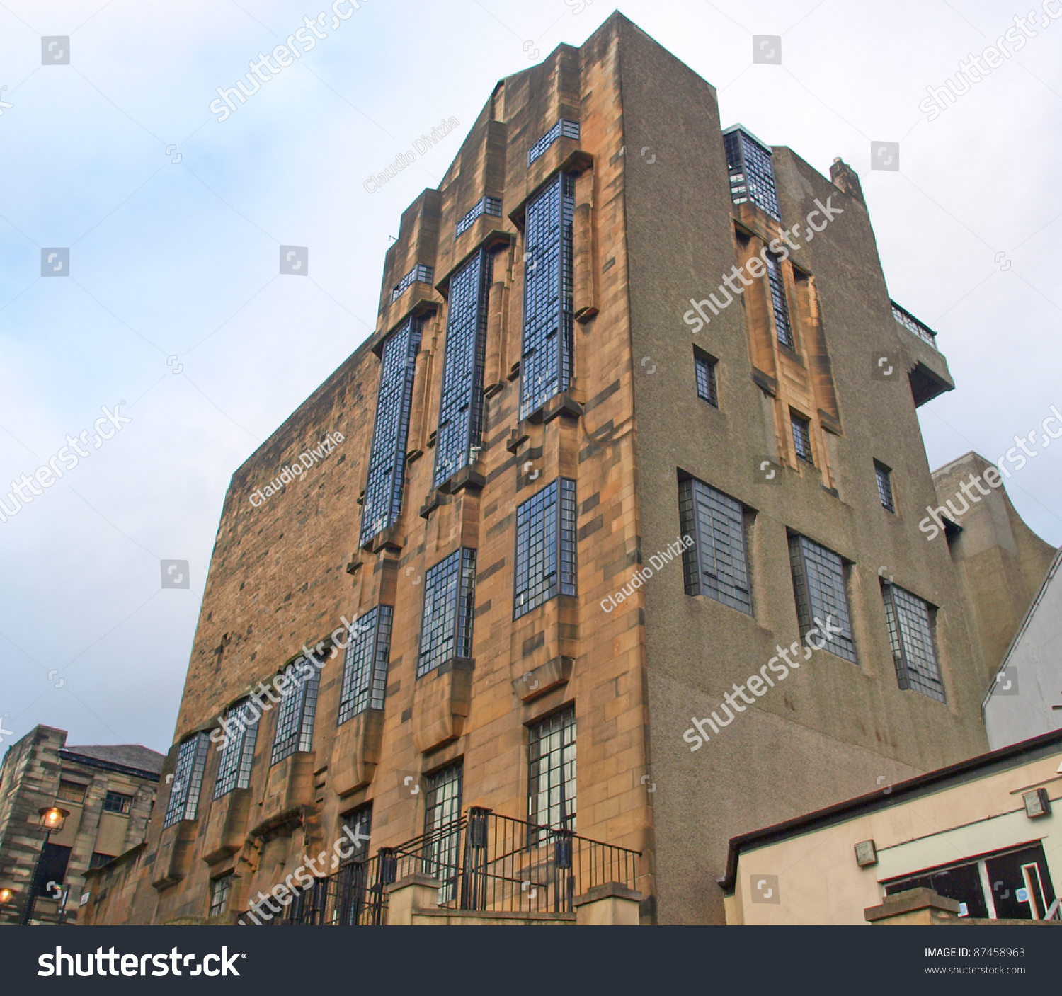 charles rennie mackintosh and scottish architecture essay Find out how charles rennie mackintosh influences glasgow manipulating his materials to take part in his vision of 'total design', mackintosh knew how to instil wonder each square, line.