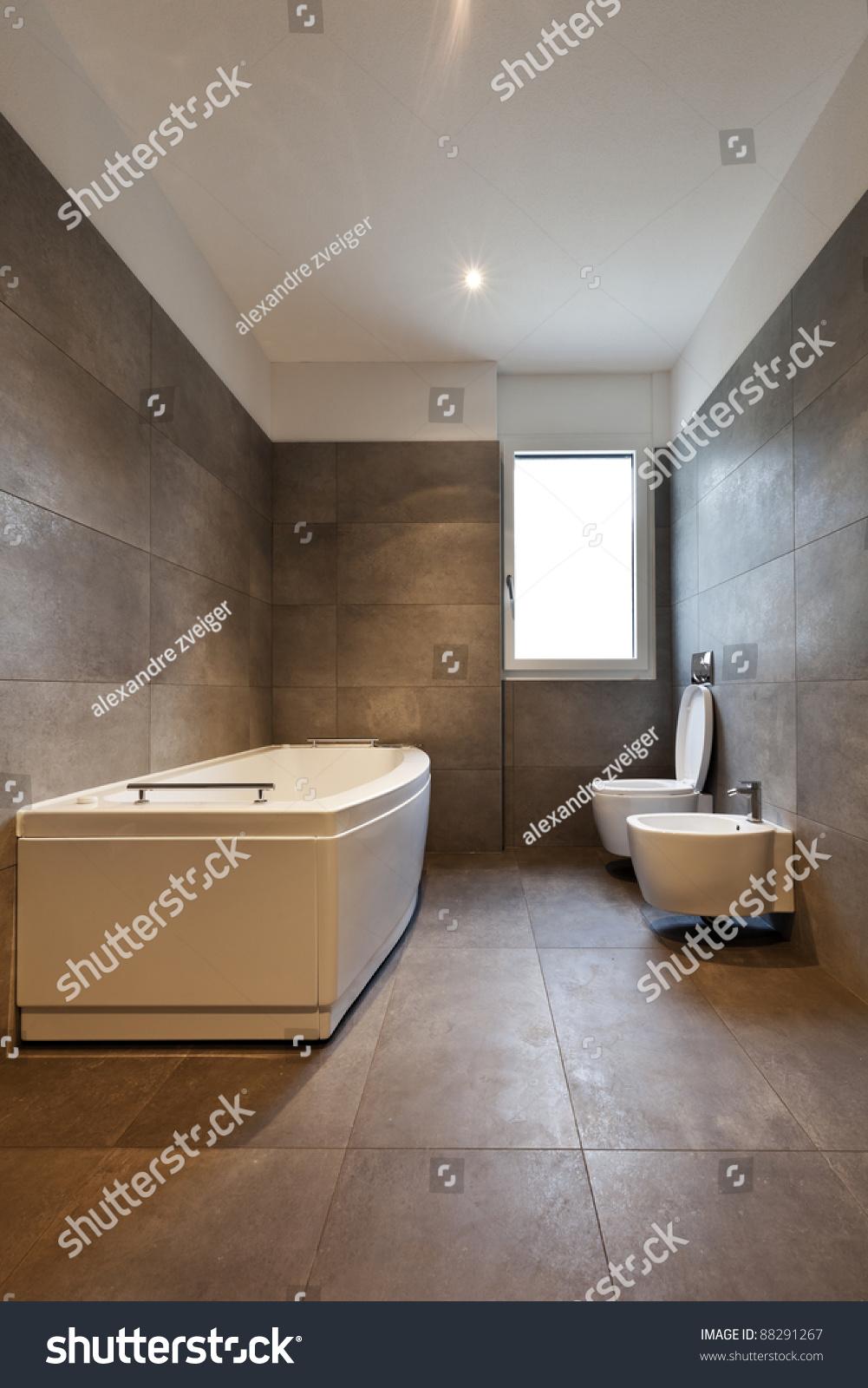 Empty Apartment Bathroom Home Design Ideas