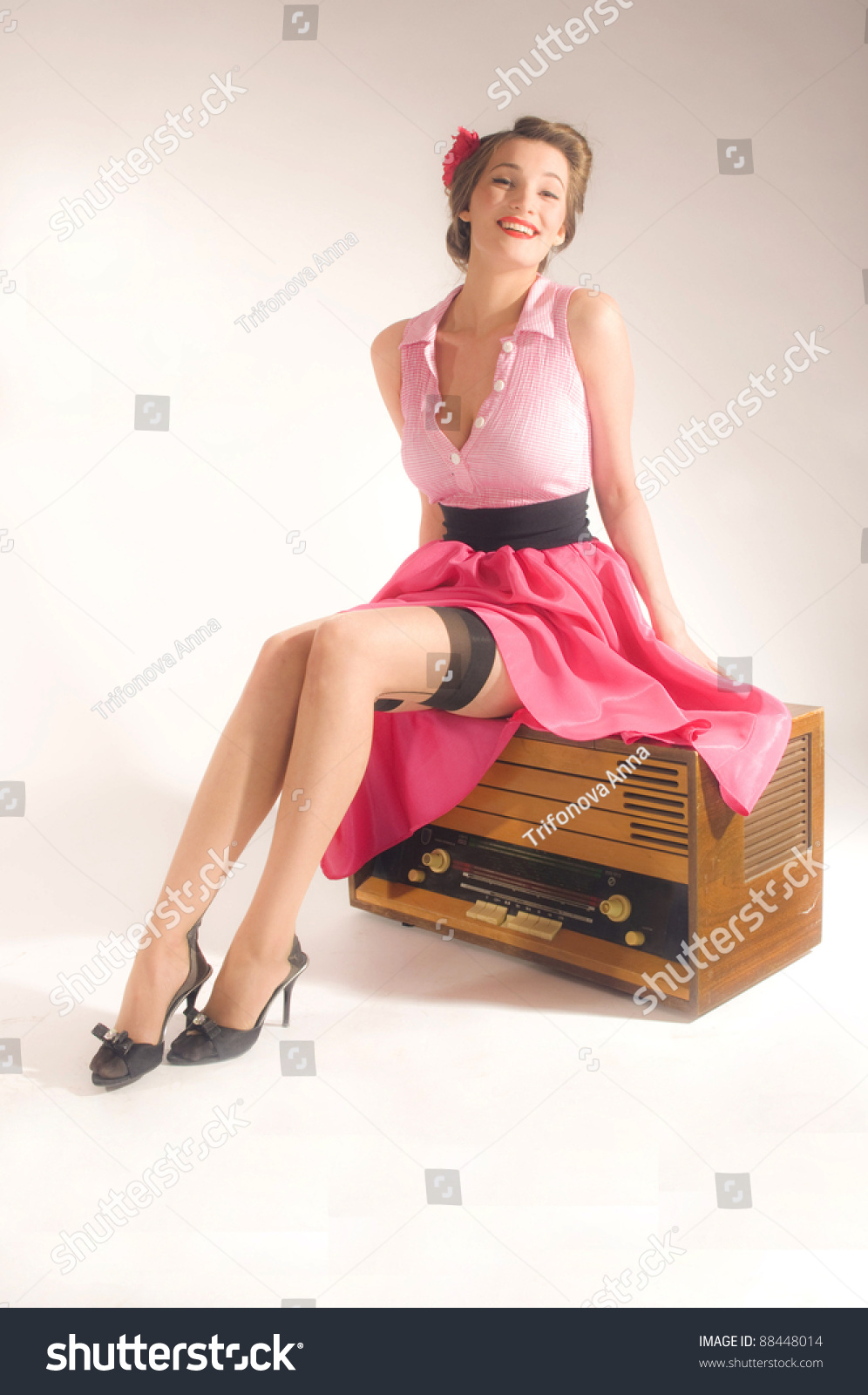 Pinup Girl Listen Retro Radio Stock Photo 88448014