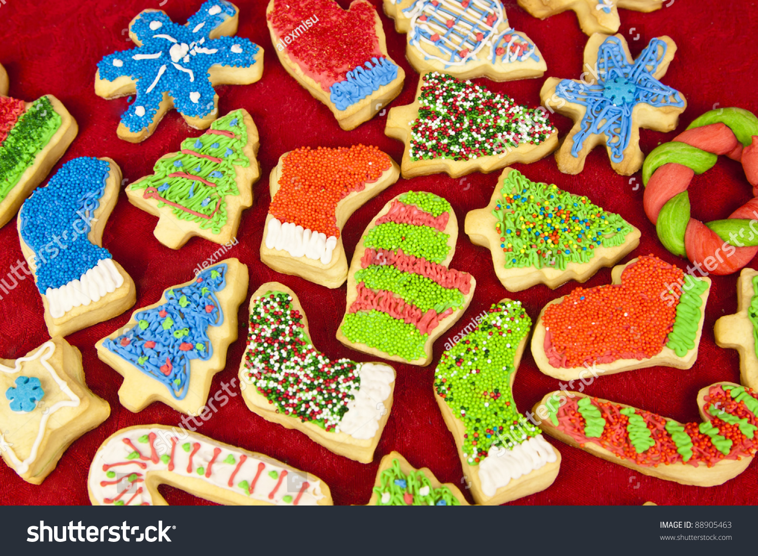 Decorating With Sprinkles Decorating Christmas Cookies With Sprinkles Opava Recipes