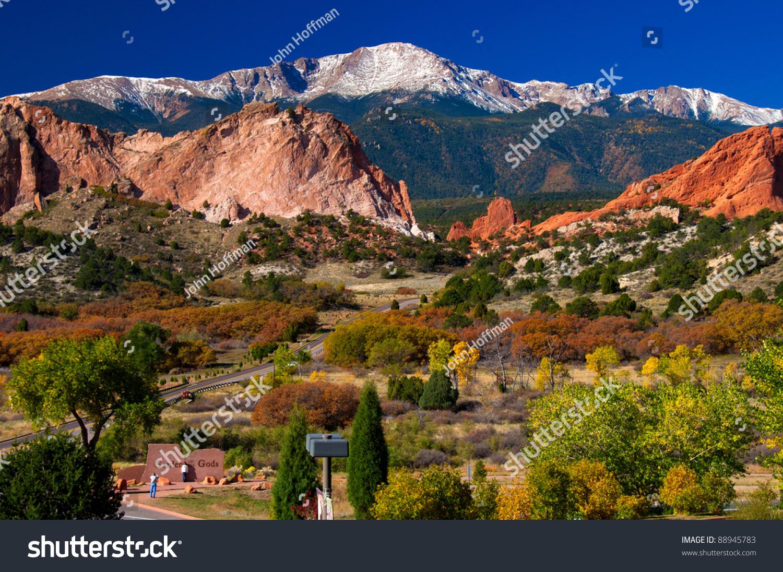 Colorful Garden of the Gods Park near Colorado Springs after a snow ...