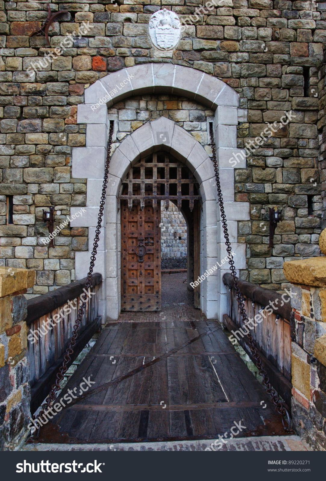 Old castle door and drawbridge & Old Castle Door Drawbridge Stock Photo 89220271 - Shutterstock Pezcame.Com