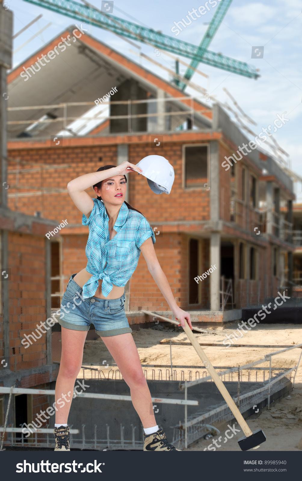 Фото голылых женщин на стройке 23 фотография