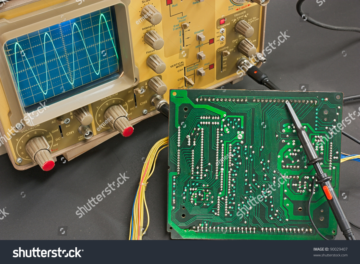 Electronic Lab Instruments : Test electronic board oscilloscope instruments