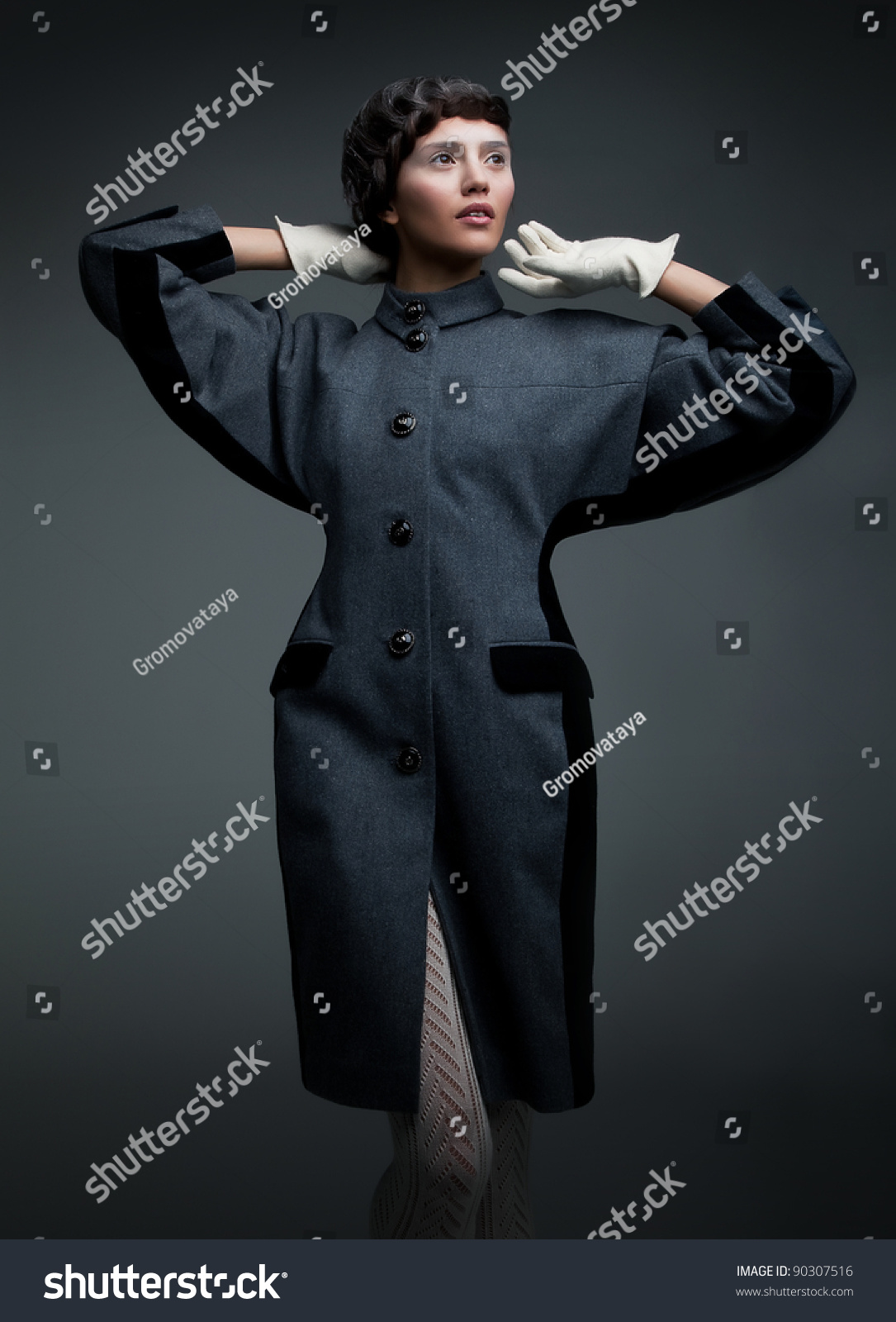 Retro Style Fashion Design Shows Supermodel Lovely