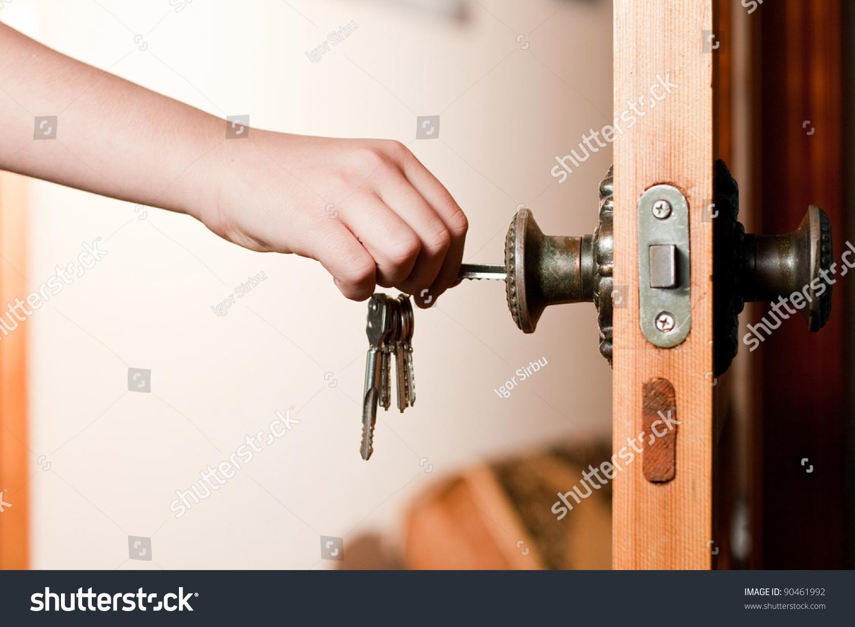 Сколько стоит открыть замок в квартире