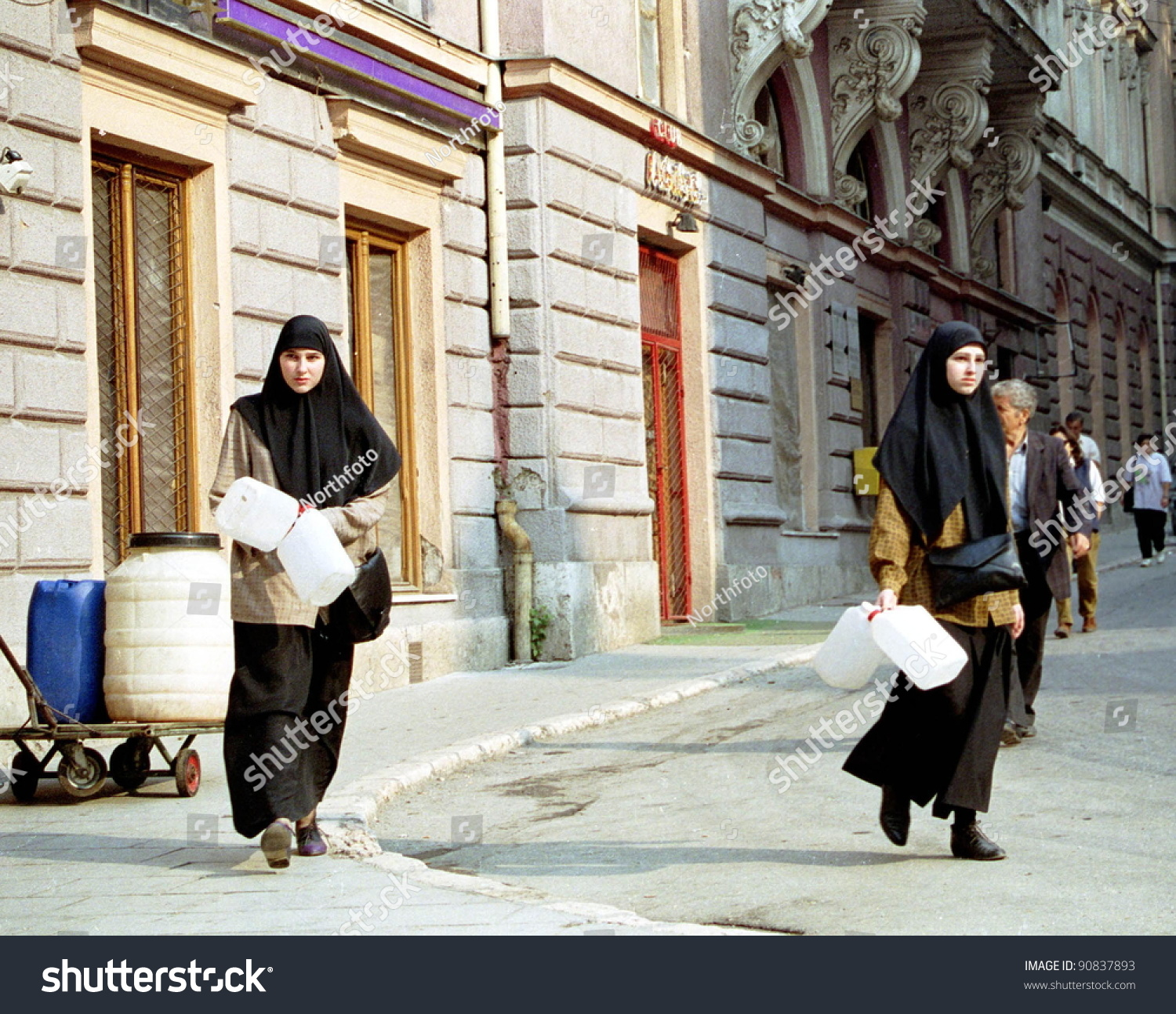 """orange walk single muslim girls U nless the life chances of children raised by single  hispanic """"family values  a case manager at a program for pregnant homeless women in the city of orange."""