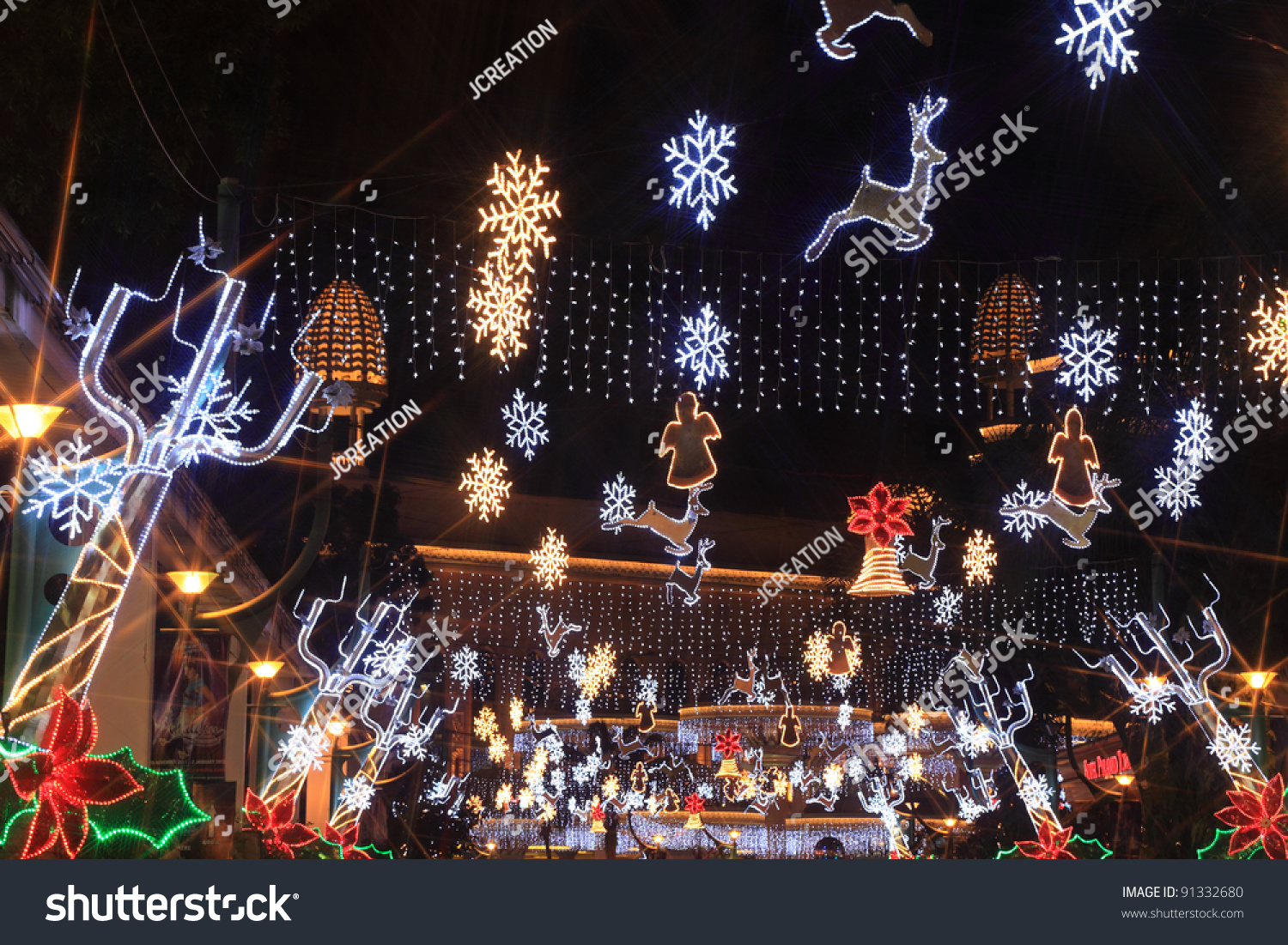 SELANGOR, MALAYSIA - DECEMBER 11: The beautiful Christmas decorations &  showlights displays along driveway