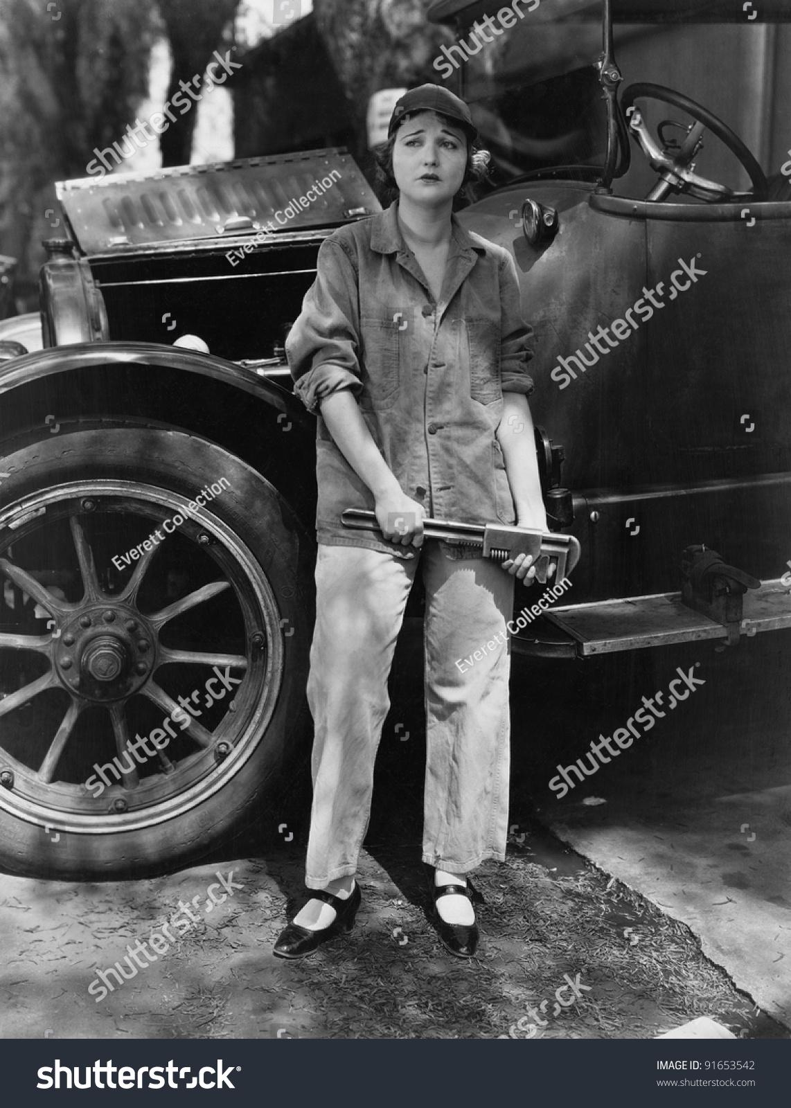 Portrait Female Mechanic Stock Photo 91653542 - Shutterstock