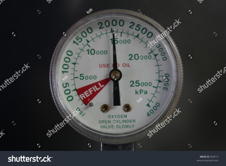 Oxygen Tank Flow Meter Pressure Gauge On Oxyg...