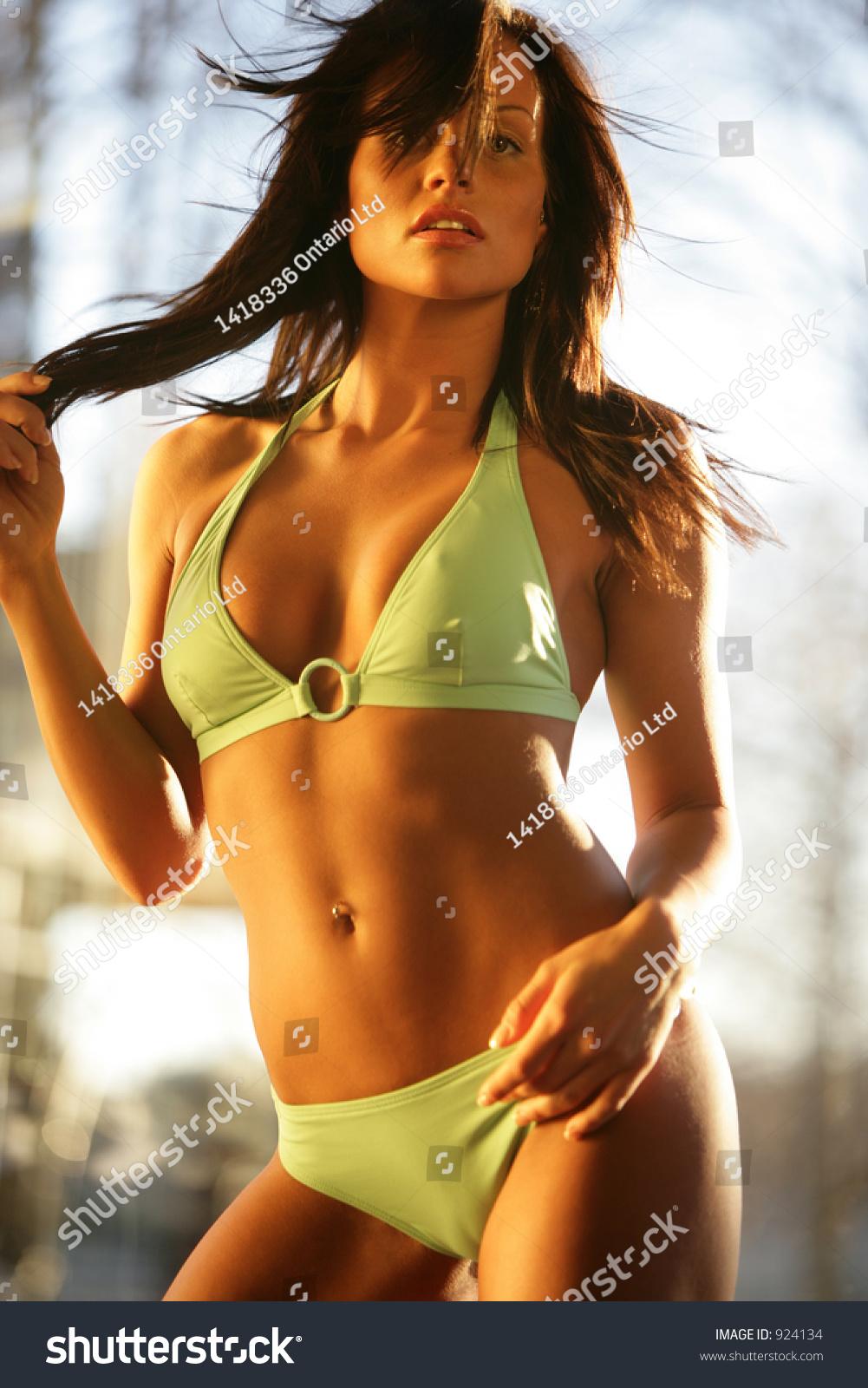 how to become a fitness bikini model