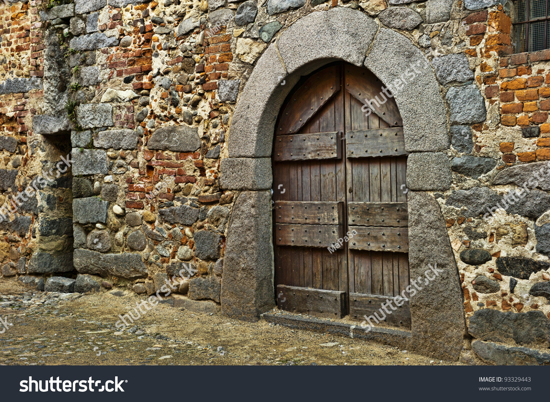 Old Wooden Door Medieval Era Ricetto Stock Photo 93329443