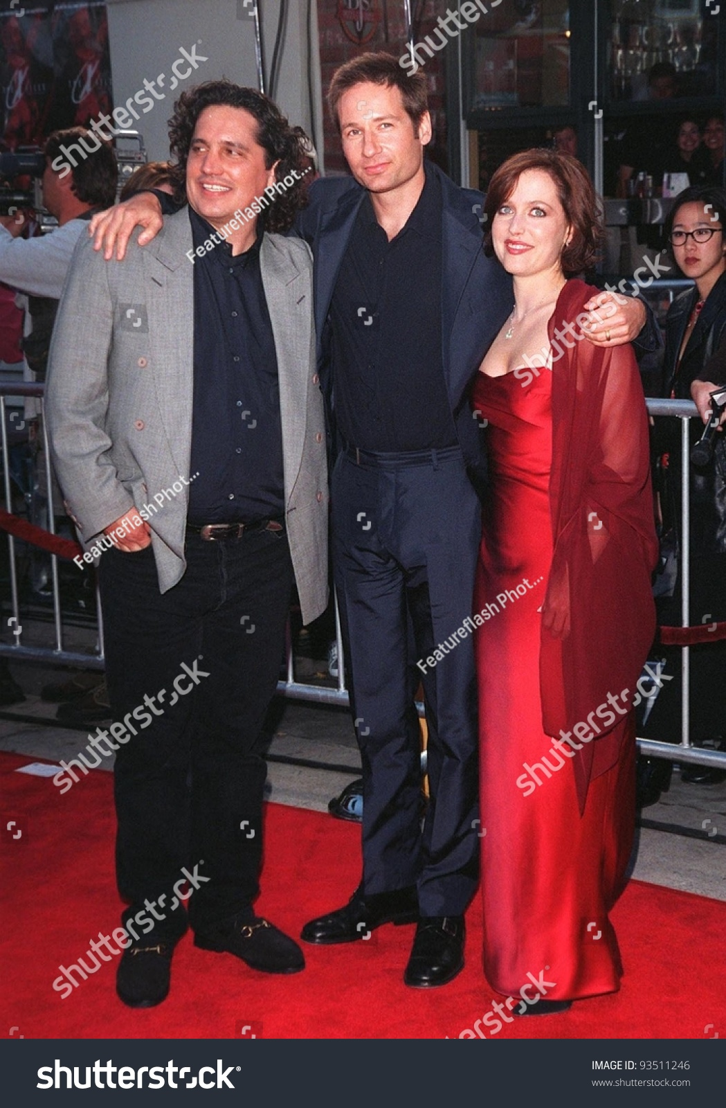 11jun98 Director Rob Bowman Left Actor Stock Photo Edit Now 93511246
