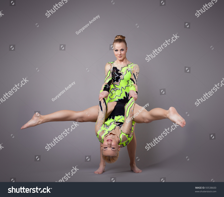 Фото две гимнастки 16 фотография